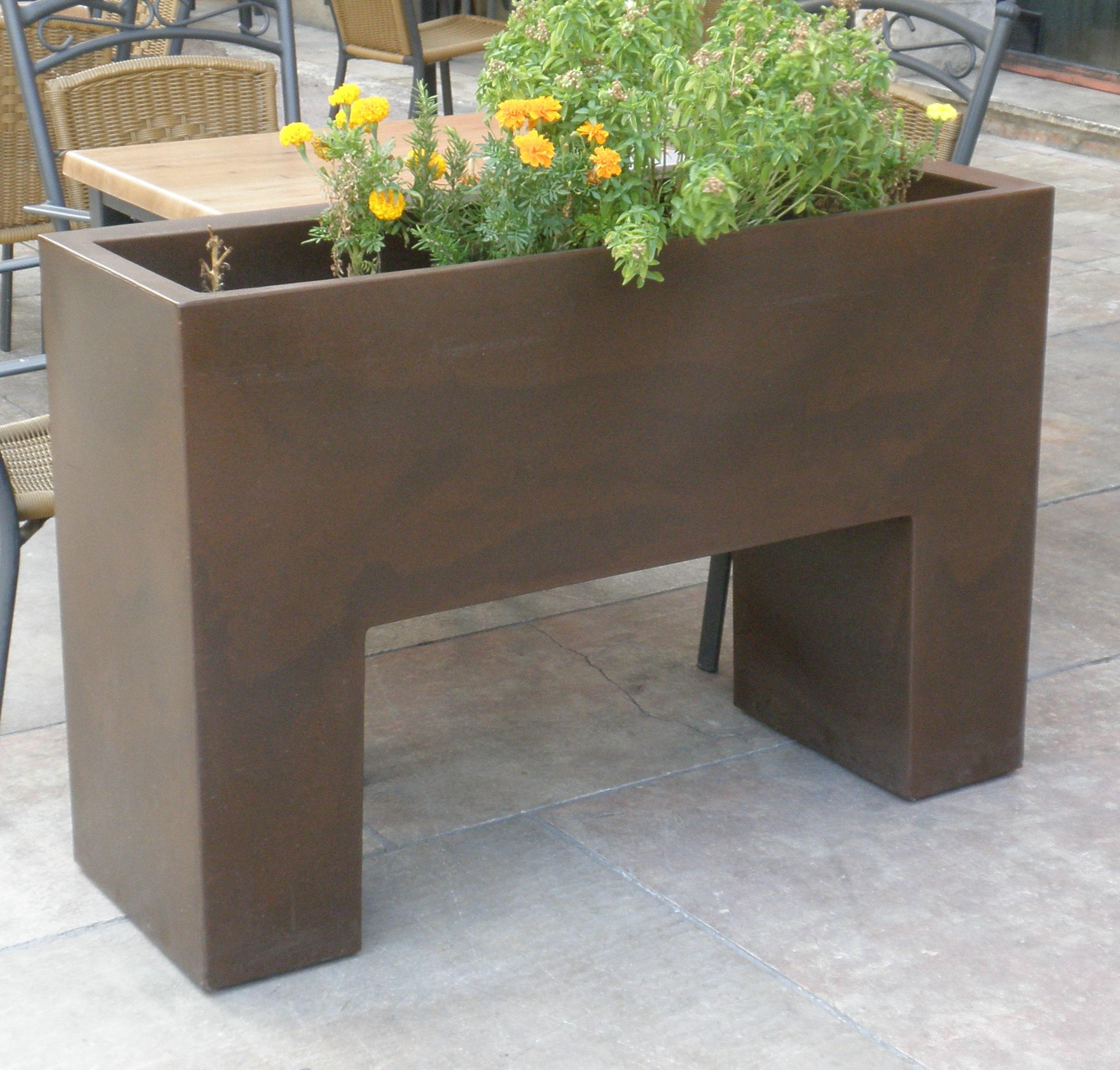 Jardinera mobiliario urbano cysunor jardineras for By h mobiliario